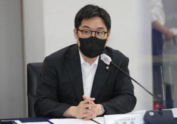"""서울변회장 """"로톡, 기업형 브로커 유사…청년 변호사 피해"""""""