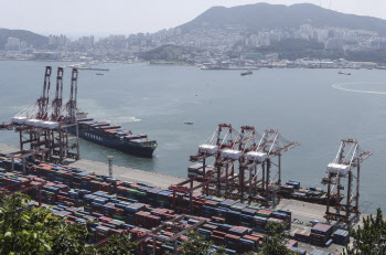 IMF, 올해 한국 성장률 3.6→4.3% 상향…2차추경 긍정 평가