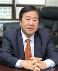 """[단독]11년 만에 쌍용차 인수 재도전 우오현 """"좋은 회사 만들 것"""""""