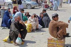파키스탄·이란 등 아프간 주변국 잇단 국경 폐쇄…난민 수만명 '좌절'