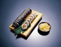 [맛있는TMI]김밥 식중독 불똥 튄 비세척란…정말 비위생적일까