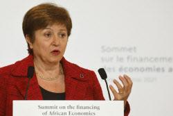 """""""中 순위 올려라"""" IMF 총재, 세계은행 근무 시절 압력 행사 논란"""