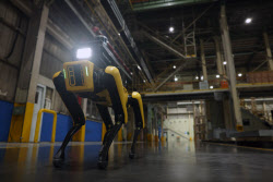 현대차그룹, 보스턴 다이내믹스와 첫 프로젝트 '공장 안전 서비스 로봇'