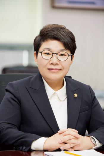 """""""산재 줄인다더니 文정부 2배 증가""""…임이자, 환노위 송곳 국감 예고"""