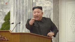 """종전선언 꺼낸 文에..北 """"미 적대정책 철회가 우선"""""""