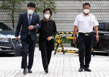 [포토]윤석열 장모, 석방후 첫 2심재판 출석…신변보호 요청