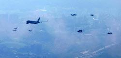 [포토]서울상공 비행하는 KC-330 공중급유기