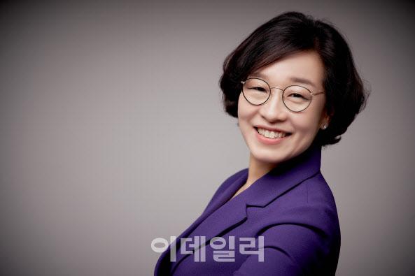 """김희 """"'제철소에 여성 있을 수 없다'는 편견 깼다"""""""