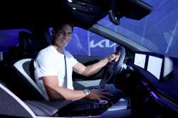 테니스 선수 라파엘 나달, 기아 EV6 타고 스페인 누빈다