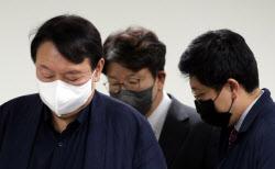 [說의 정치학]윤석열·홍준표, 몸집 경쟁에 빠진 '인사검증'