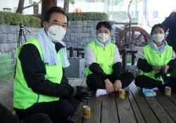 [포토] 신규직원들과 간담회하는 이성희 농협회장