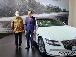 조코위 印尼 대통령 만난 정의선…전기차 영토확장 나섰다
