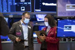 시장 달구는 '깜짝 실적'…다우·S&P 또 사상 최고