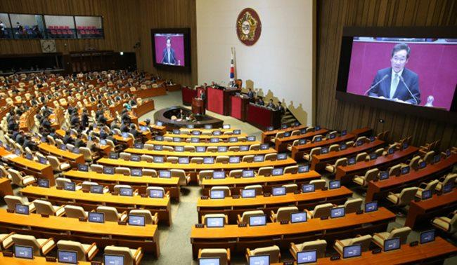 한국당 2시간 만에 국회 정상화 번복...與 임시국회 강행