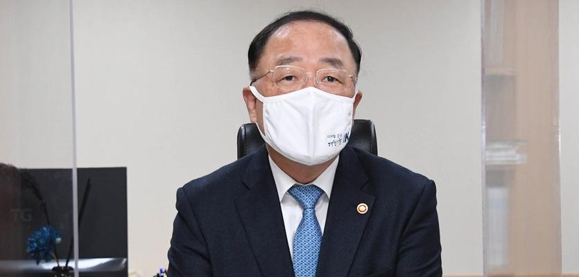 코로나19 재확산 실물경기 타격…韓성장률 전망치 낮출까