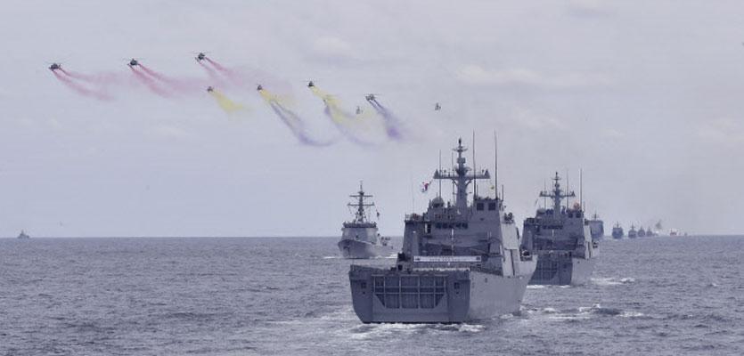함정서 코로나 32명 집단 감염…해군, 거리두기 2.5단계↑
