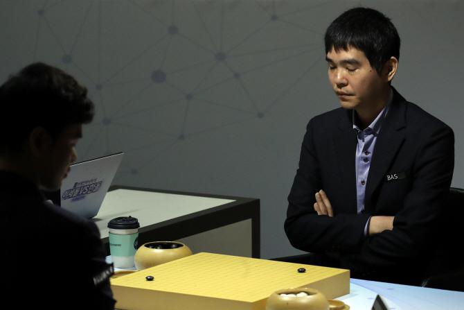 모빌리티 플랫폼 대표들 만난 김현미 장관                                                                                                                               ...
