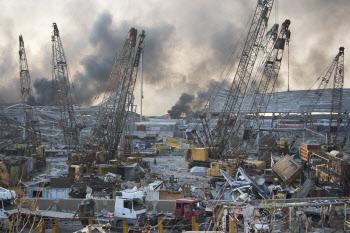 처참하게 변한 레바논 베이루트 항구 폭발 현장