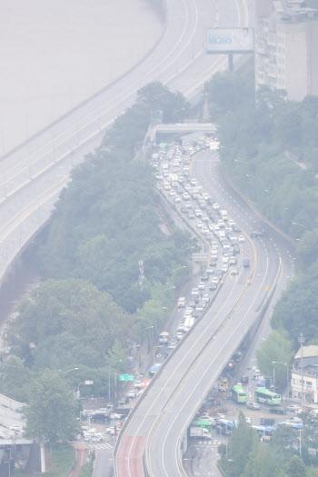 올림픽대로 통제로 극심한 교통체증