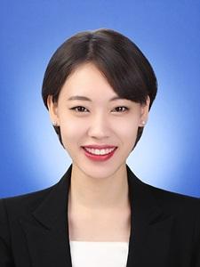 권효중 기자